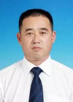 王育青.jpg